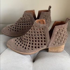 Jeffrey Campbell | Taggart Ankle Boot Taupe Suede